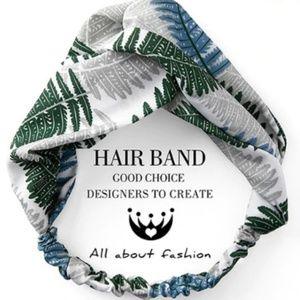 NWT Green Palm Leaf Summer Headwrap Headband